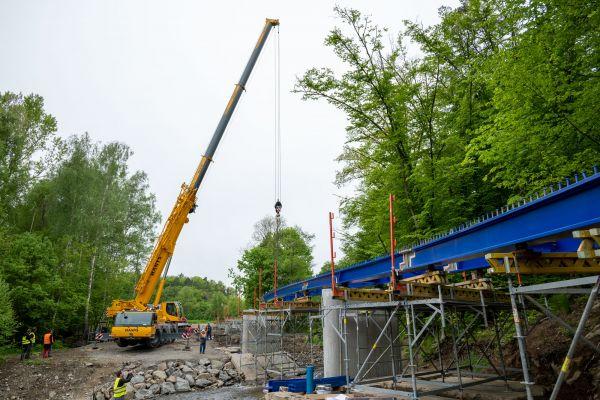 osazeni-mostni-konstrukce-927D28401-152E-296D-C007-F46678D5D32F.jpg